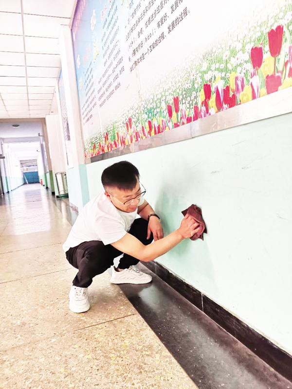 郊区文苑小学:与文明牵手 和卫生相伴