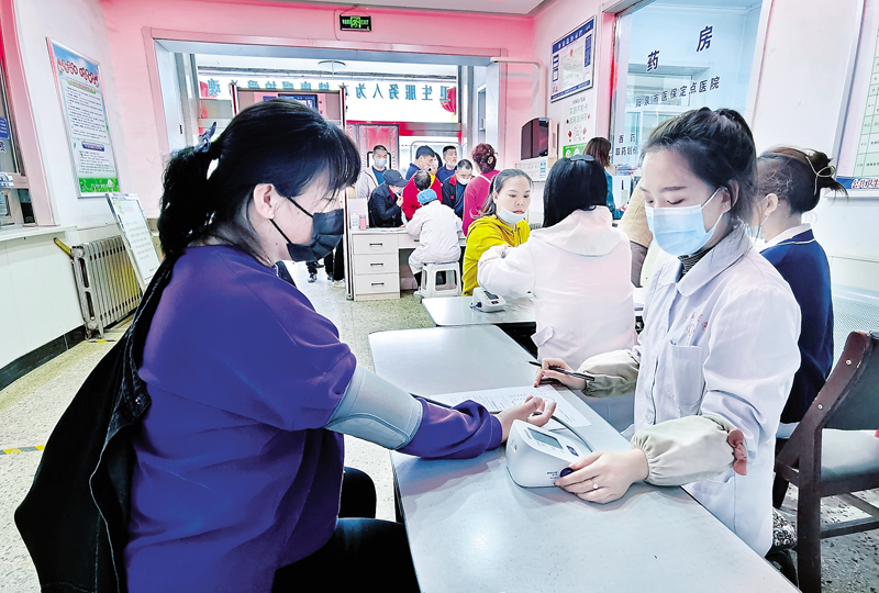 矿区为商户免费接种疫苗
